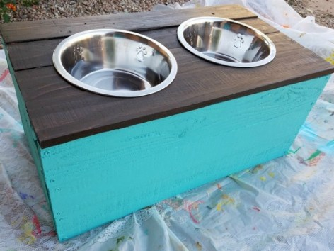 how-to-make-a-dog-food-stand