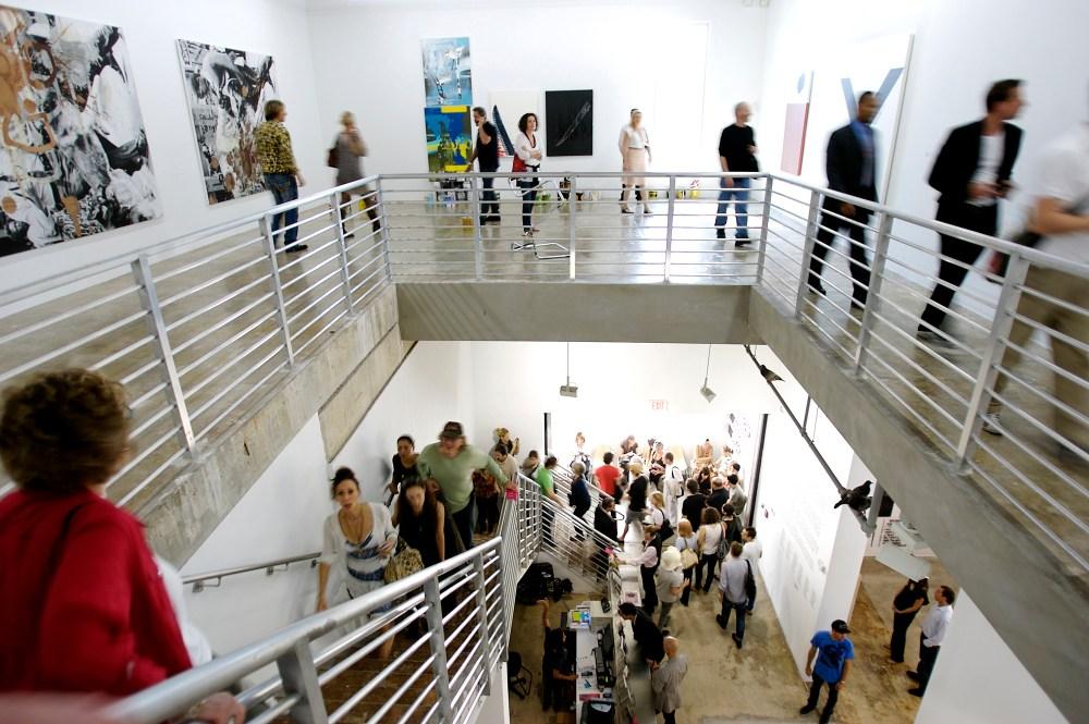 <p> <em> Les visiteurs de la collection de la famille Rubell ont reçu 500 000 $ de Knight pour développer une programmation ambitieuse en arts visuels et soutenir la carrière d'artistes et de curateurs émergents lors de stages et de résidences d'artistes. Crédit: Chi Lam. </ Em> </ p>