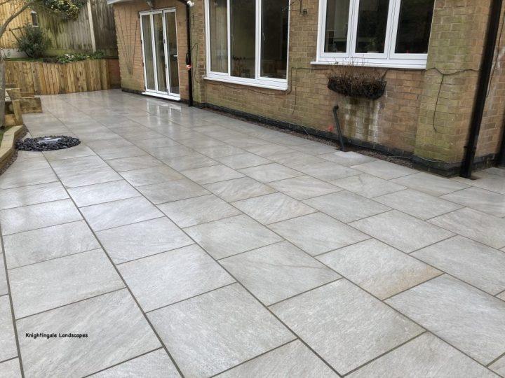 Light grey porcelain paving