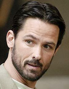 An older (and MORE handsome) Billy Campbell