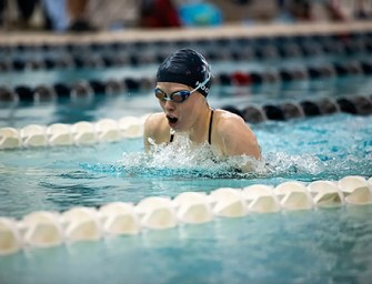 Varsity Swimming and Diving Dips into New Season