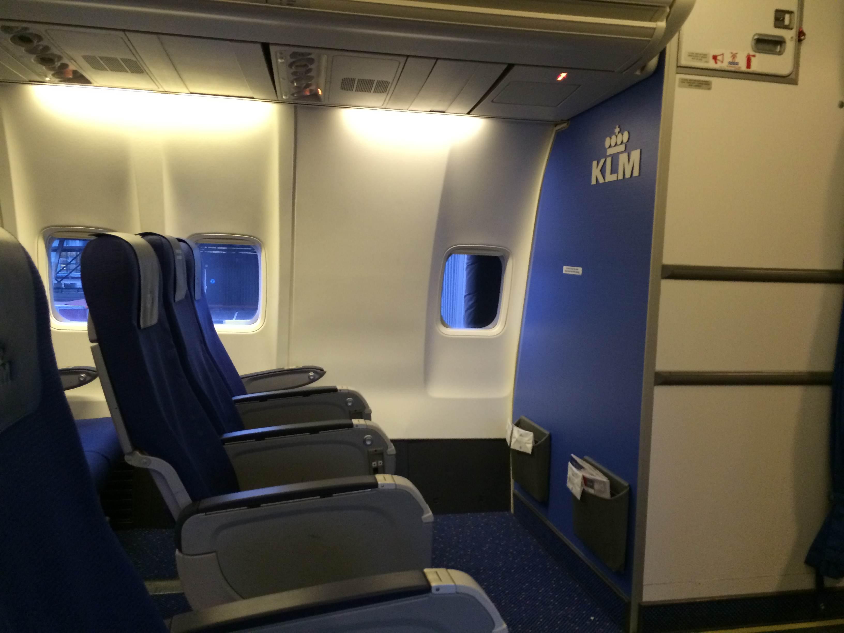 B737 Seating Air Transat - Desain Terbaru Rumah Modern Minimalis