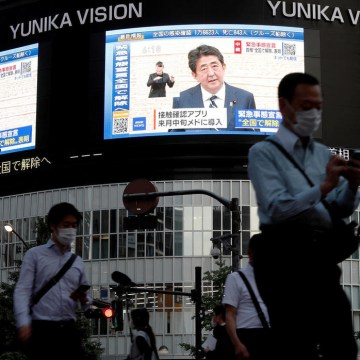 Japans Abe lifts state of emergency, says virus outbreak under control