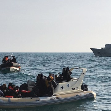 UK calls on France to intercept migrants crossing Channel as numbers rise