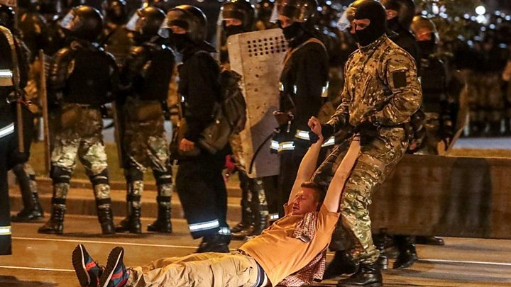 Belarus election: Clashes after poll predicts Lukashenko re-election