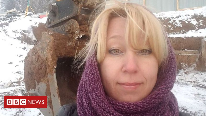 Russian editor dies after setting herself on fire