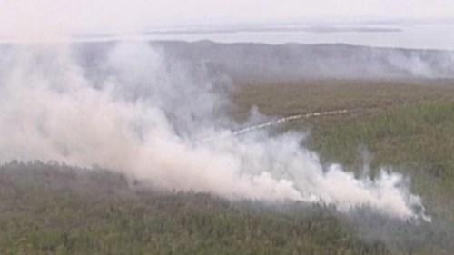 Al drie campings werden door de bosbrand verwoest ©APTN.