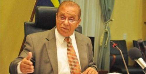 Minister van Justitie Elmer Wilsoe onder vuur over interventie in de Bientu-zaak. Foto Dick Drayer