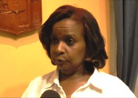 Het kabinet dreigt met een rechtszaak tegen aannemer Giovanni Pablo over de handelwijzes van Marvelyne Wiels. mbt de verbouwing van de ambtswoning naast het Curaçaohuis van de minister.