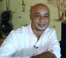 Auto journalist Richeron Balentien in brand, ook radiozender bedreigd