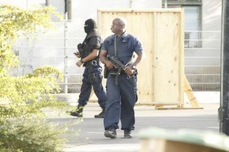 De rechtbank wordt tijdens het proces extreem zwaar bewaakt.  Foto |  TLG