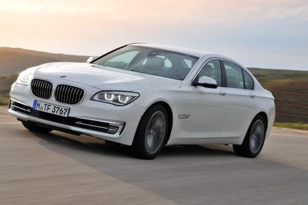 Marvelyne Wiels ibezocht deze week de BMW dealer: autotruken op het Curacaohuis