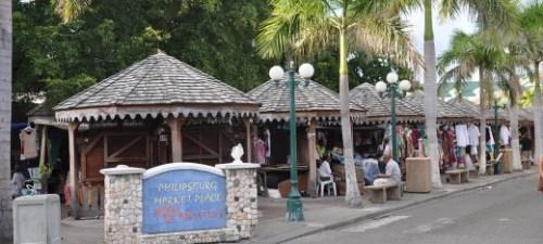 sxm-Philipsburg_Tourist_Market_St._Maarten