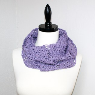 Wear as a scarf or a cowl.