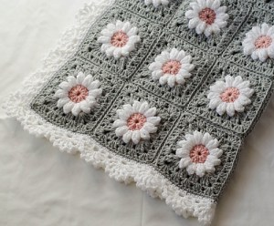 Puff Daisy Afghan by Crochet 365 Knit Too
