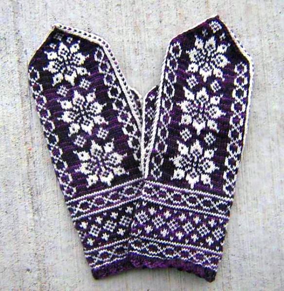 © hedda knits