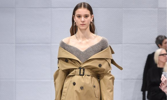 how to wear a coat 1