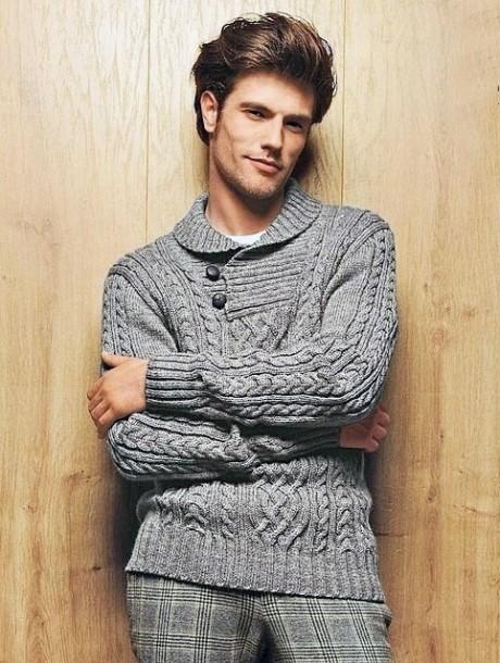 पुरुष स्वेटर बुनाई से जुड़ा हुआ है