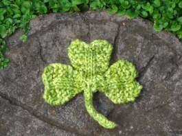 knitted shamrock_0
