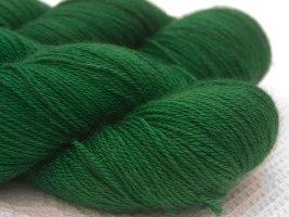 leftfootdaisy-Triskelion-yarn-Hama-4-Ply-Wodwos
