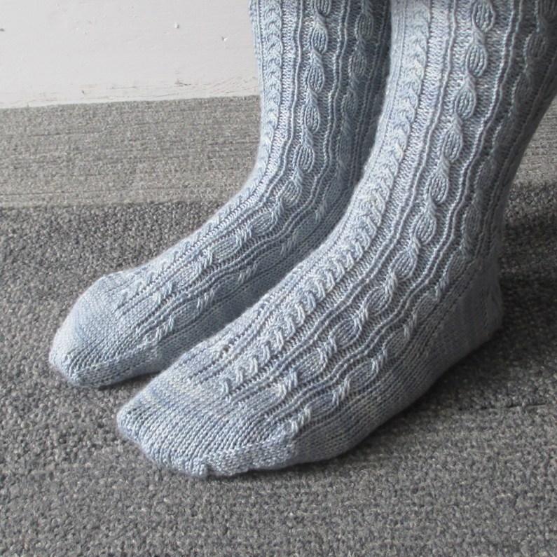 060614_blue_socks_1