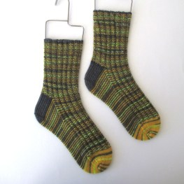 11-23-15-yellow-gray-socks-1