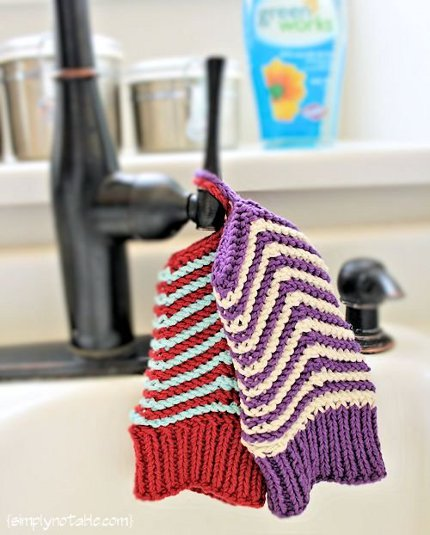 chevron scrubby mitts