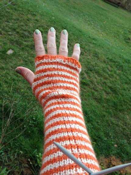 Free Pattern Simple Striped Arm Warmers Knitting