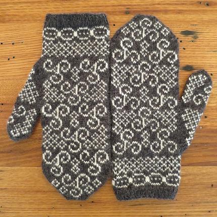 newgrange mittens