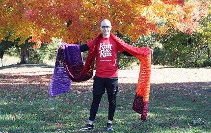 scarf knit while running marathon