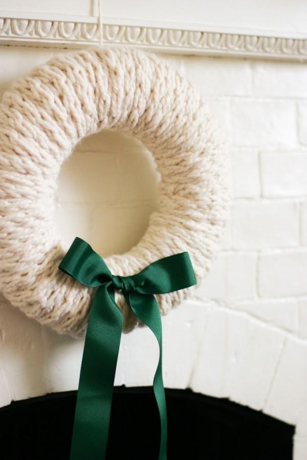 finger knit wreath