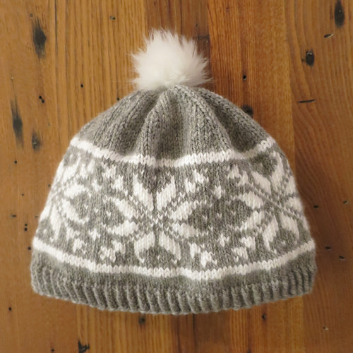 knit and easy colorwork snowflak hat