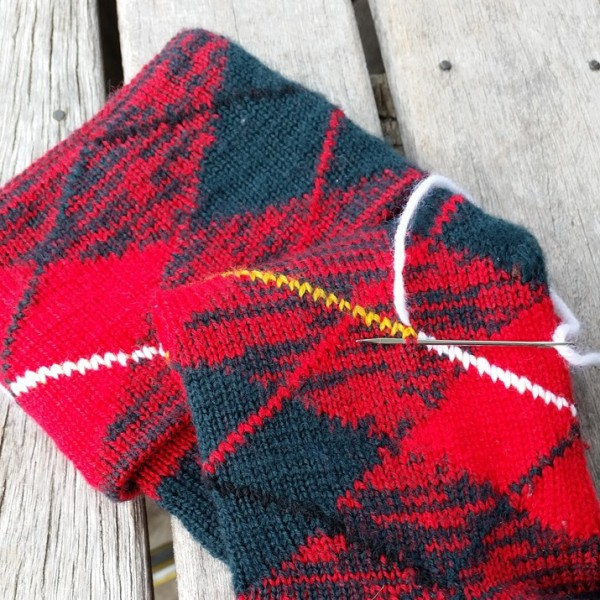 use duplicate stitch to change a color on socks