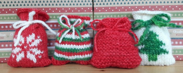 Santa Bag knitting patterns and knit advent calendars.
