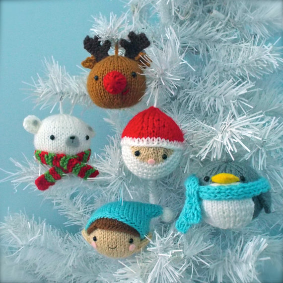 knit amigirumi christmas balls