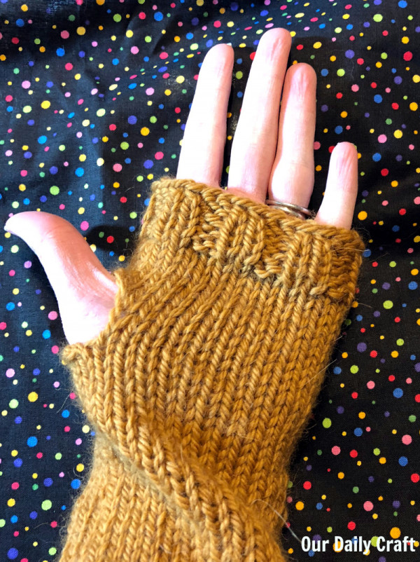 simple knit fingerless gloves