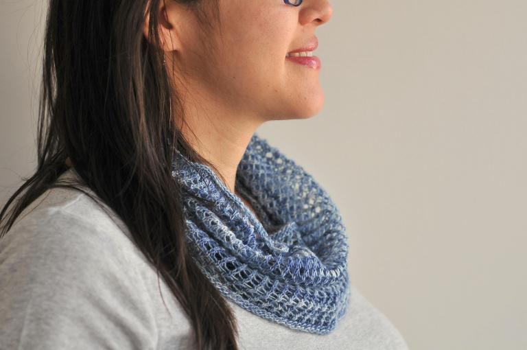 mesh lace cowl knitting pattern