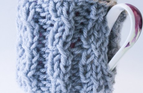 Knit an Easy Ribbed Coffee Cozy