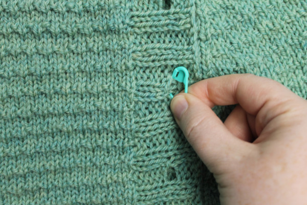 how to place buttons on a cardigan