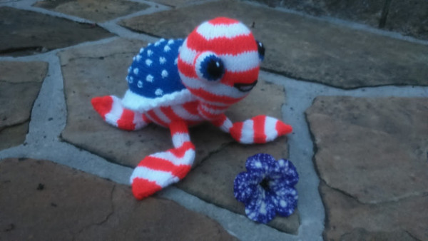 Knit a Stars and Stripes Turtle