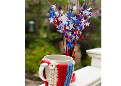 Make Your Mug More Patriotic with Knitting