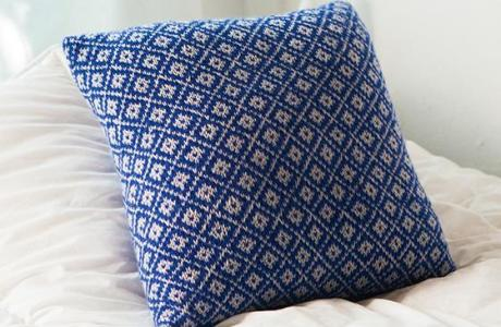 Practice Your Colorwork with this Pretty Pillow