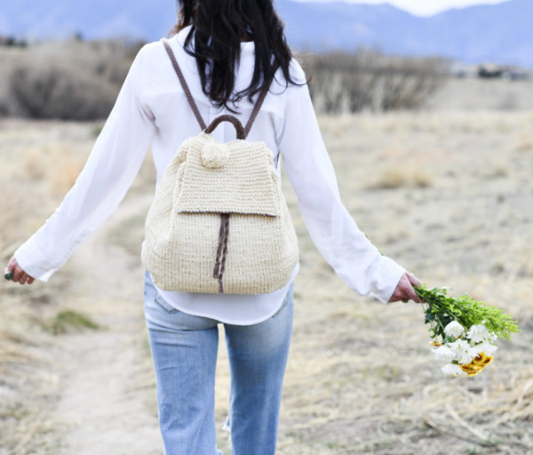 Knit a Backpack to Store Stuff through the Summer