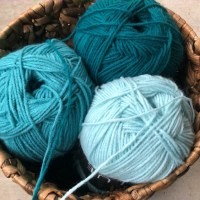 Acrylic Yarn: The Ultimate Guide for Crafters, Knitters & More
