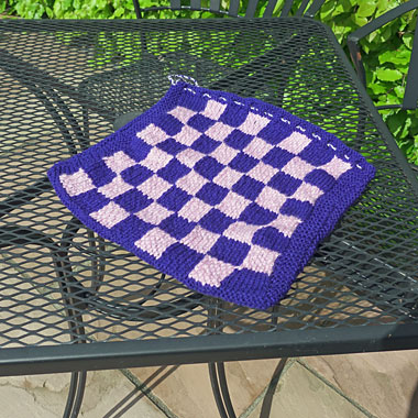 Draughts and noughts and crosses game bag knitting pattern