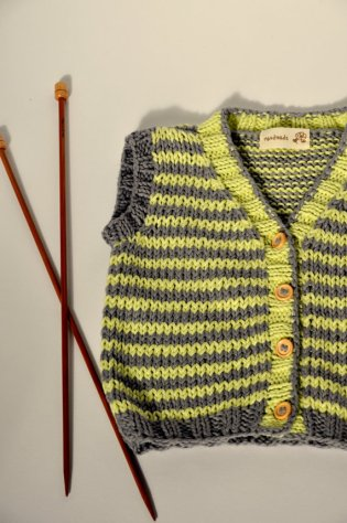 Knitted baby sweater, vest patterns (72)