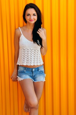 bow crazy chevron lace knitted tank top with open back and bow knitting pattern 4