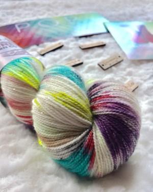 knitcrate sock box contents july 2017