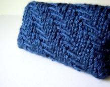Travel Tissue Holder in Trellis Stitch