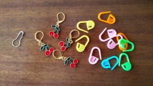 three types of locking stitch markers